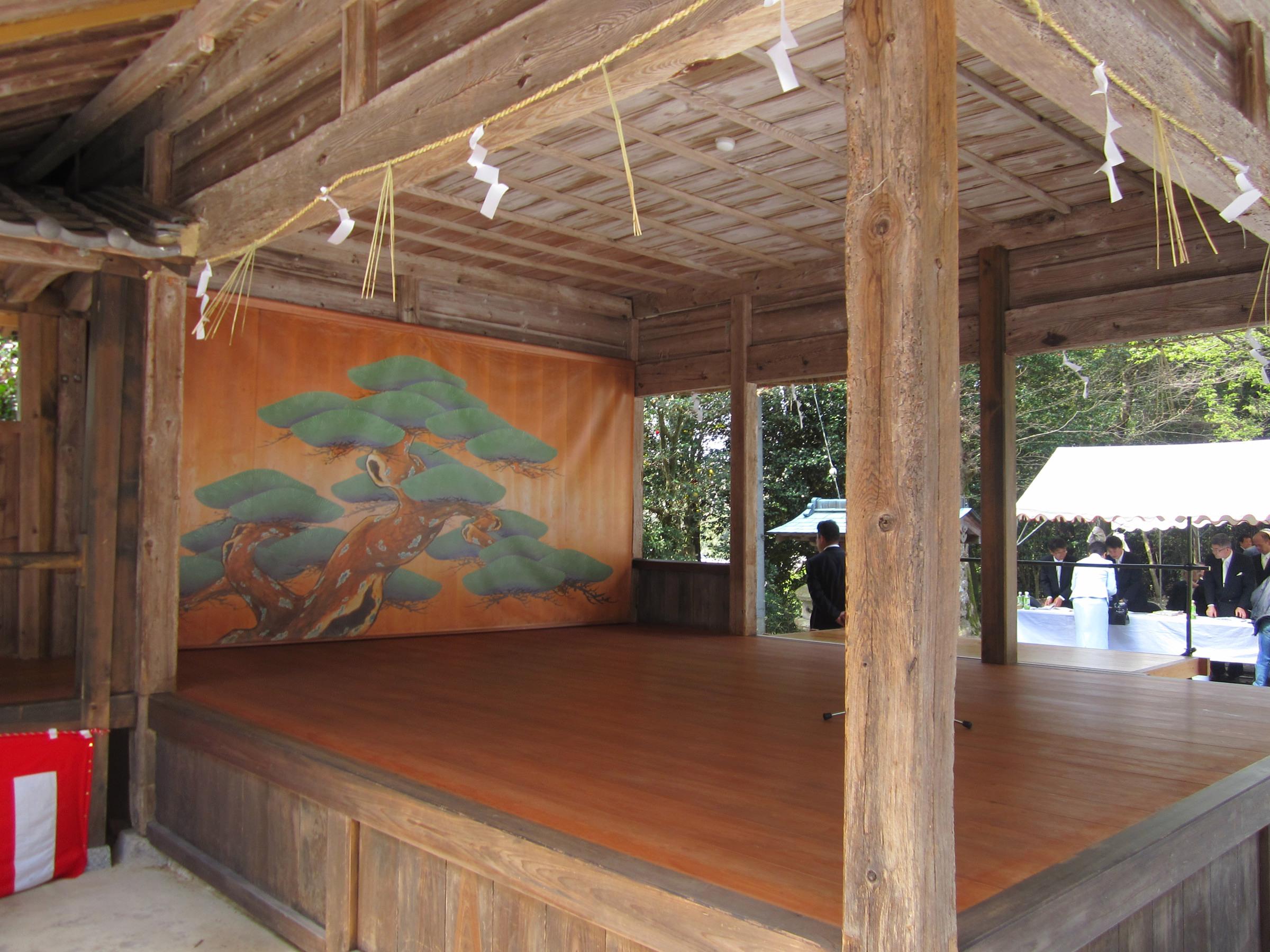 大川瀬の能舞台(舞殿)