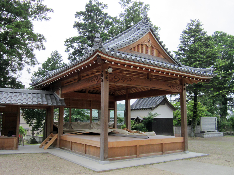 志染町御坂神社能舞台