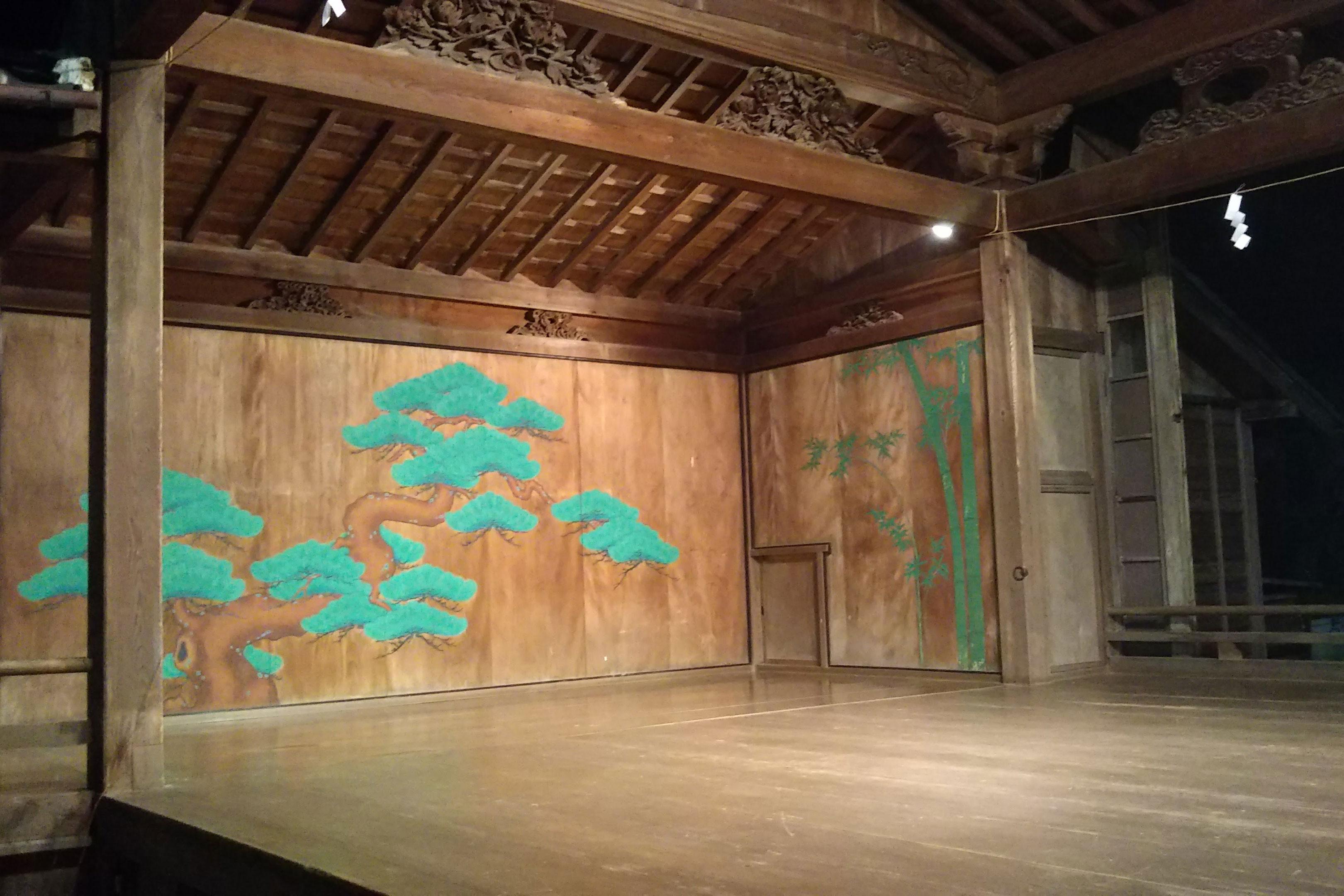 篠山春日神社能舞台